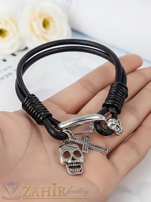 Естествена черна кожена гривна 22 см с метална закопчалка и висулка череп и кръст - GS1160