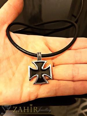 Черен стоманен рицарски кръст 2 см на черно кожено колие 57 см - MP1040