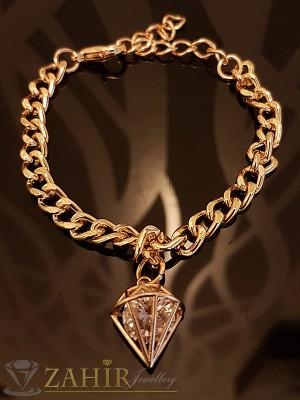 Класическа гривна тип верижка 21 см, с висулка кристална пирамида - 1, 5 см, златно покритие - G1766