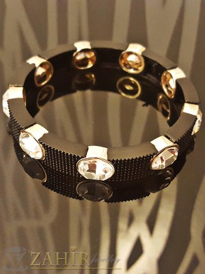 2016 модел ластична гривна с черни гравирани плочни, бели кристали и златно покритие - 18 см - G1661