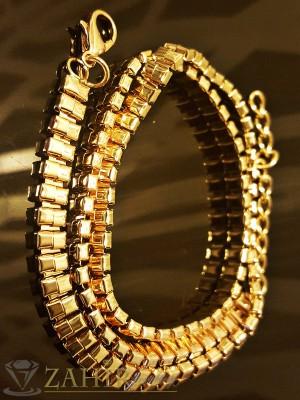 Модна гривна гравирана с 3 реда верижки с златно покритие - дълга 55 см - G1683