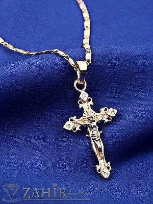 Малък нежен кръст с исус - 3, 5 см на позлатено колие 42 см - K1632