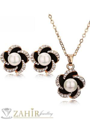 Великолепен перлен комплект колие 45 см с висулка 2 см и обеци 1,5 см, златно покритие - KO1641