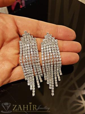 Официални луксозни дълги 7 см обеци с красиви бели кристали, сребърно покритие на винт - O2160