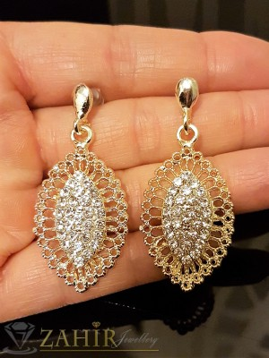 Красиво изработени висящи обеци 4, 5 см с бели кристали, златно покритие, на винт - O2264