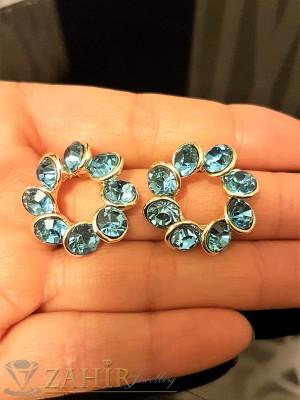 Блестящи обеци 2,3 см с фасетирани светло сини кристали, златно покритие, на винт - O2286