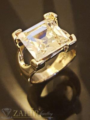 Красив стилен пръстен с голям бял-1,2 см кристал и златно покритие - P1404