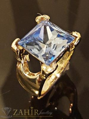 Красив стилен пръстен с голям светлосин - 1,2 см кристал и златно покритие - P1405