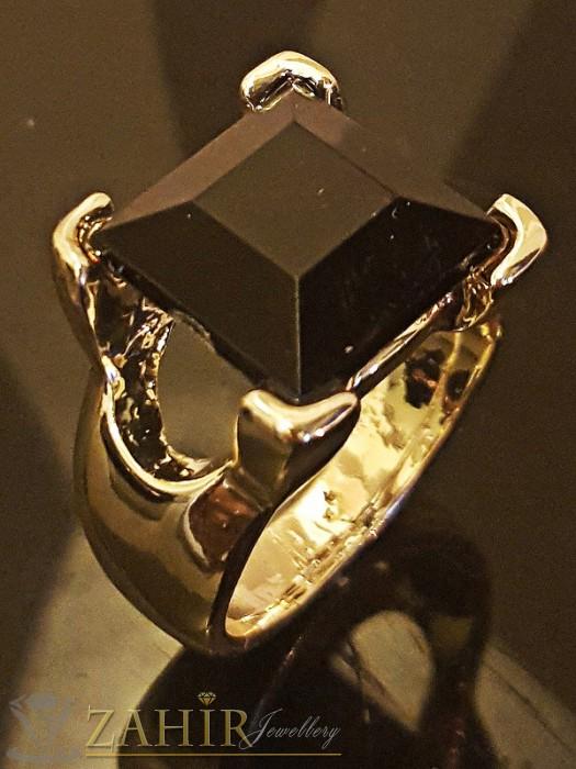 Дамски бижута - Красив стилен пръстен с голям черен - 1,2 см кристал и златно покритие - P1407