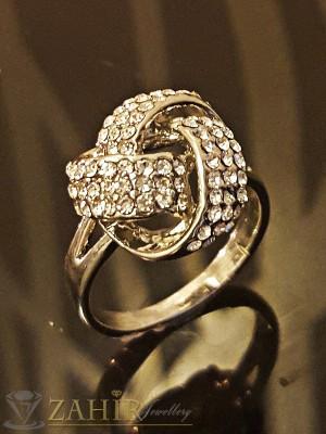 Стилен пръстен , красива изработка, бели кристали и платинено покритие - P1408
