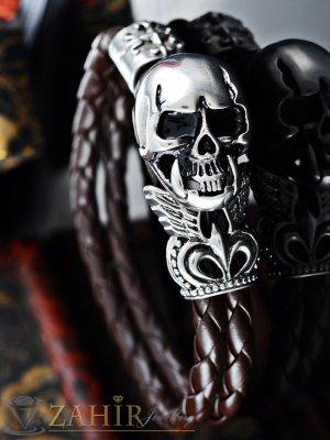 Тъмно кафява кожена гривна 22 см с изящно изработен стоманен череп 2,5 см - GS1212