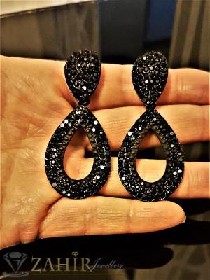 Класически черни изчистени висящи обеци - 6 см с черни кристали, на винт - O2297