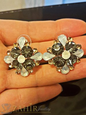 Кристални обеци цветя 2,7 см с цветни кристали, златно покритие, на винт - O2331