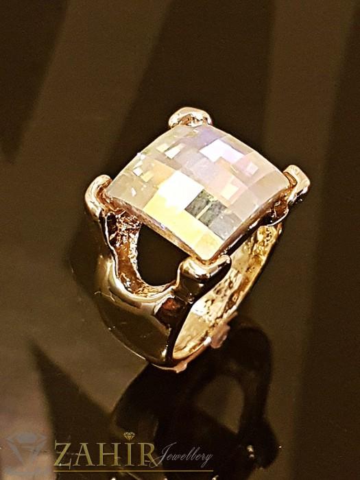 Дамски бижута - Великолепен пръстен с фасетиран кристал хамелеон 1,2 см и златно покритие - P1425