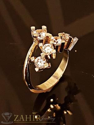 Романтичен нежен пръстен с 6 бели кристала и златно покритие - P1428