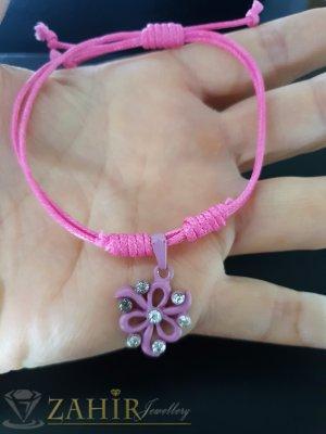 Бледолилаво цвете с кристали на розова регулираща се гривна от ваксова корда - E1008