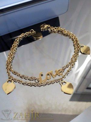 Двойна гривна за крак със сърца и надпис Love от стомана със златно покритие, дълга 24 см - GK1075