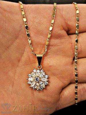 Великолепно кристално цвете 1,5 см с блестящи кристали, на нежно колие дълго 42 см - K1792