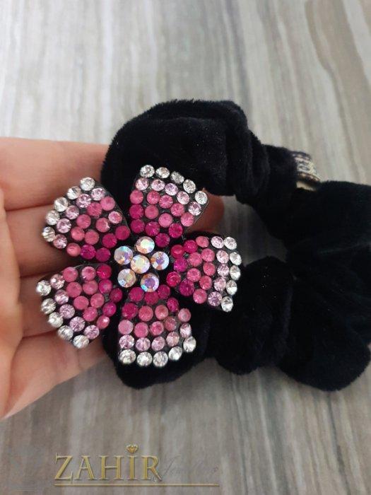 Цикламено-бяло метално цвете с кристали на черен велурен ластик - LK1093
