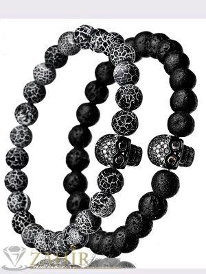 Черен череп с ковани кристали на ластична гривна от вулканичен камък или драконови вени  - MA1086