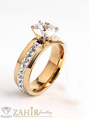 Класически стоманен позлатен годежен пръстен с един ред кристали и фасетиран циркон - P1470