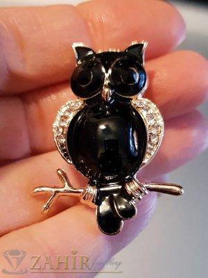 Черна брошка сова - талисман 4 на 2 см, цветен емайл и бели кристали, златно покритие - B1123