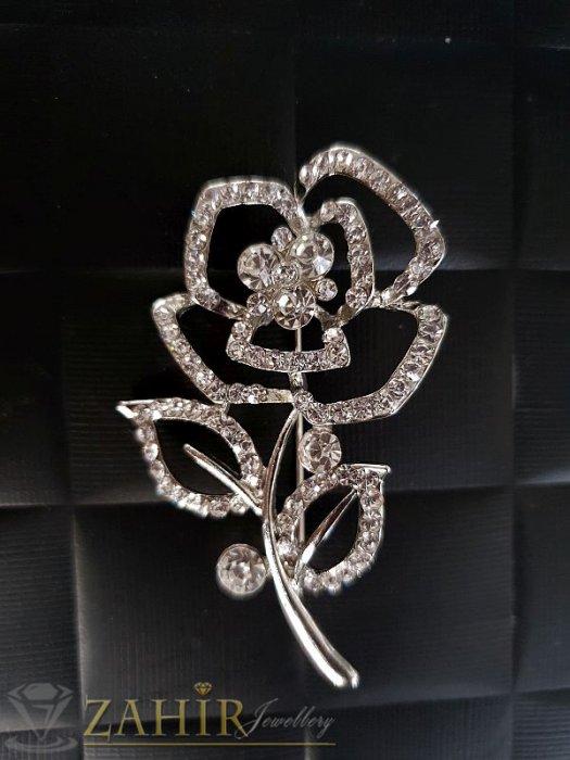 Красива брошка кристално цвете със сребърно покритие -дълга 6 см, широка 3,5 см- B1042