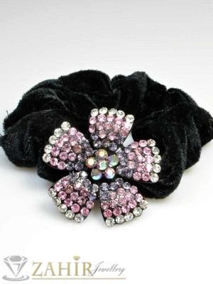 Черен велурен ластик с цвете от розови кристали - LK1006