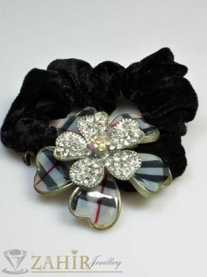 Черен велурен ластик с цвете от бели кристали - LK1023