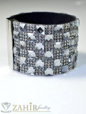 Стилна гривна с бели и графитени кристали на черна основа, луксозна закопчалка, широка 5 см, дълга 19 см- G1286