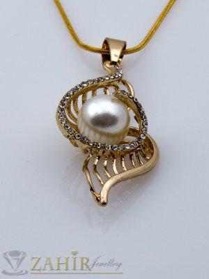 Нежна висулка 4 см с перла и бели кристали на позлатена верижка - 40 + 5 см - K1434