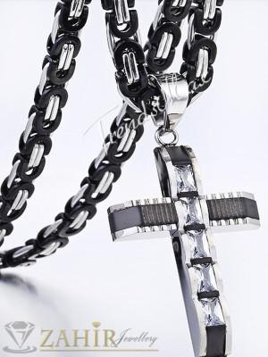 Супер красив кръст от неръждаема стомана с 5 фасетирани циркона - 4,5 см дълъг и ланец 55 см от неръждаема стомана - MK1168