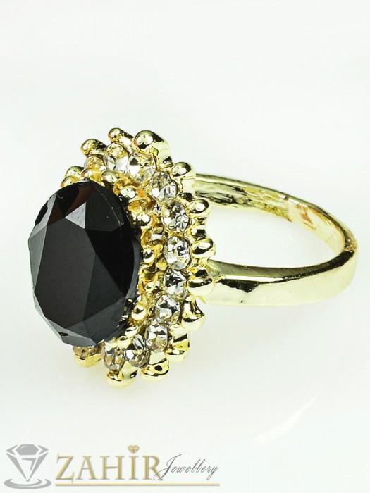 Красив пръстен с голям черен кристал и бели циркони, златно покритие - P1361