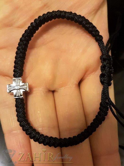 Ръчно плетена черна мъжка гривна с метален кръст, регулираща се дължина - MA1010