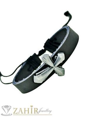 Черна кожена гривна с метален кръст 3,5 см, регулираща се дължина - MG1120