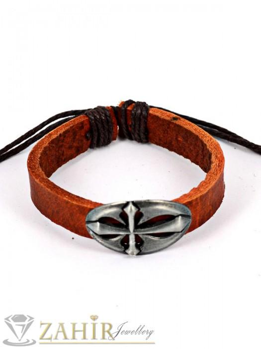 Кафява кожена гривна с метален кръст 3,5 см, регулираща се дължина - MG1122