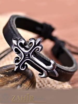 Черна кожена гривна с метален кръст 3,5 см, регулираща се дължина - MG1124