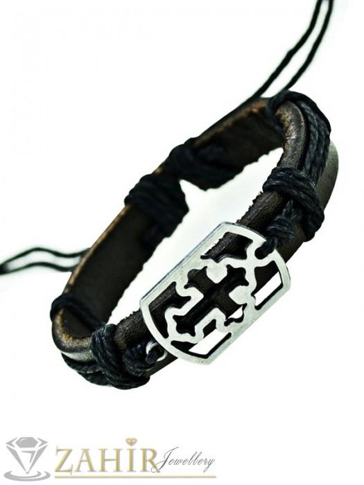 Черна кожена гривна с метална плочка с кръст 3 см, регулираща се дължина - MG1126