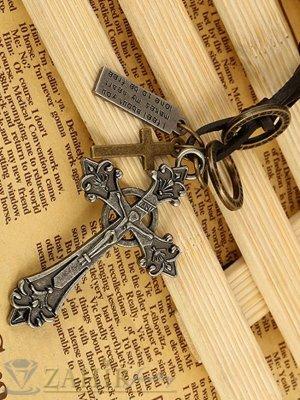 Черно мъжко колие от ест. кожа с висулка готически кръст и символи, регулираща се дължина - MK1252
