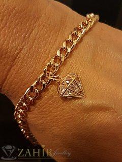 Позлатена гривна верижка в 3 размера с висулка кристална пирамида 1 см - G1089