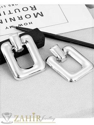 Сребристи матови олекотени геометрични обеци 6 см, модни, закопчаване на винт - O2073