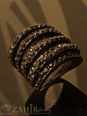 Масивен черен пръстен с многобройни черни кристали - P1411