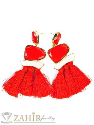 Модни 9 см обеци с червени пискюли и червени кристали, златно покритие на винт - O2427