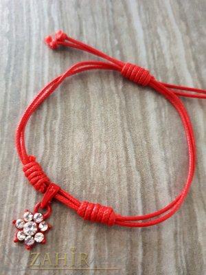 Червено цвете с кристали на червена регулираща се гривна от ваксова корда - E1015