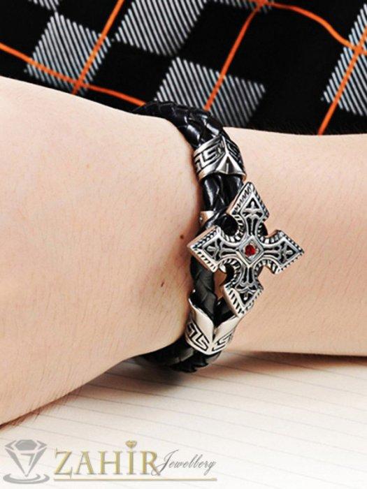 Елегантна черна кожена гривна 22 см с висококачествена стоманена закопчалка рицарски кръст - GS1251