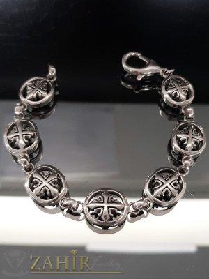 Непроменяща цвета си стоманена гривна в 3 размера с малтийски кръстове, широка 1,3 см - GS1332