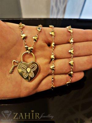 Гравирана висулка 2,3 см сърце с ключ на тънък стоманен 48 см ланец със сърца - K1804