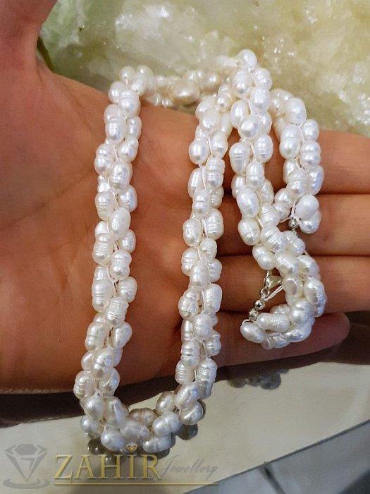 Великолепно изработено колие от бели естествени речни перли, дълго 45 см - K1828