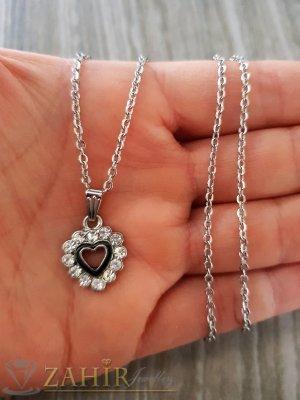 Малко нежно сърце с кристали 1,5 см на нежно синджирче 50 см - K1904