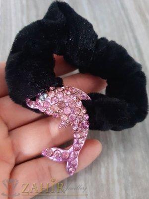 Метален делфин с розови кристали на черен велурен ластик - LK1079